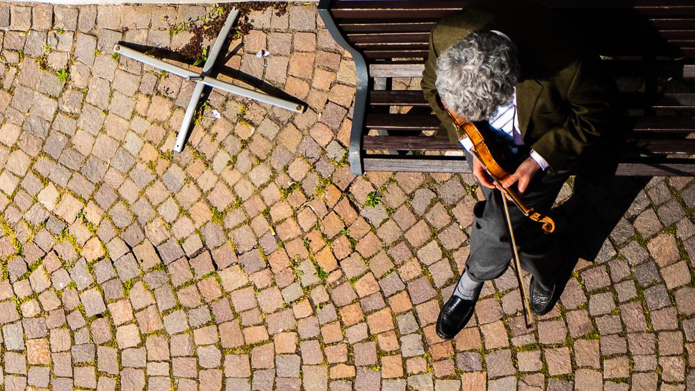 The violin man outside Al Palazzo Rosso